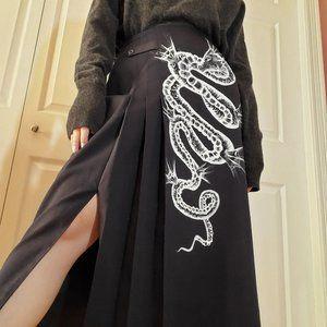 Vintage 100% wool black dragon pleated midi skirt